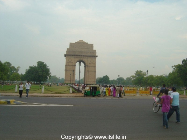 travel-delhi-india-gate-1
