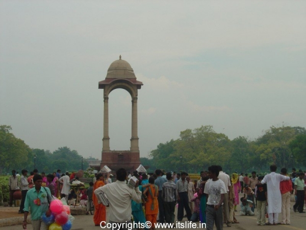travel-delhi-india-gate-3