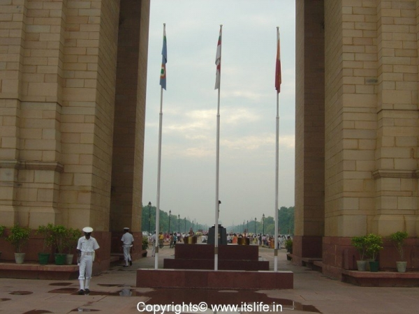 travel-delhi-india-gate-4