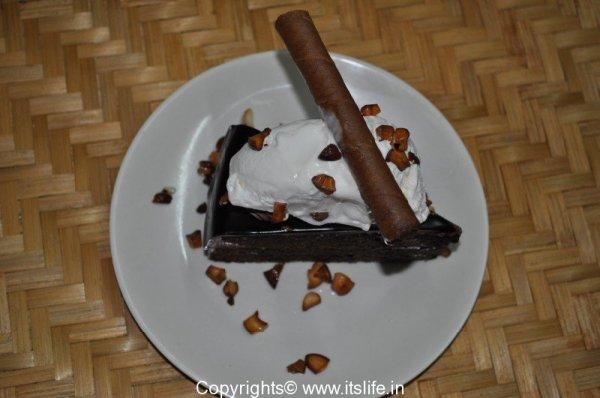 Choco - Vanilla Cake Sundae