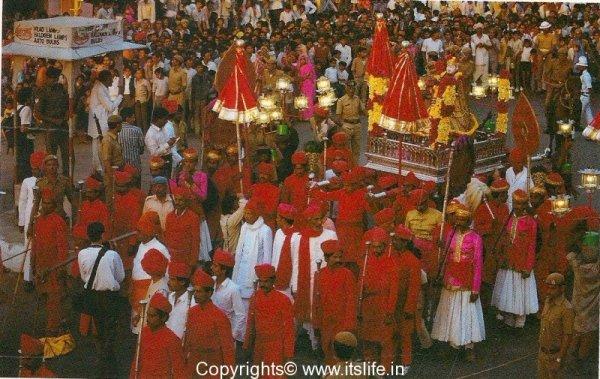 Gangaur - procession
