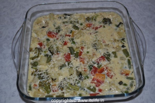 Vegetables baked in White Sauce