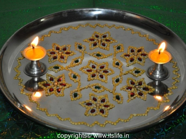 Arathi Thatte - Plate Decoration with Split Green Gram