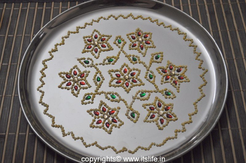 Arathi Thatte - Plate Decoration with Split Green Gram & decorate plate - Design Decoration