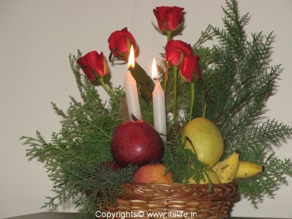 Dutch style fruit flowers and light arrangement for Do it yourself flower arrangements
