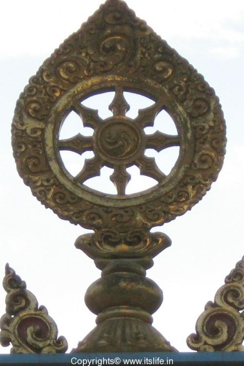 festivals-eight-spoke-wheel