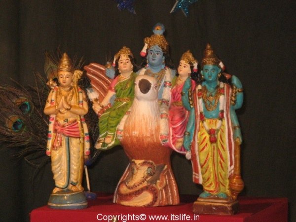 Mythological Dolls - Vishnu