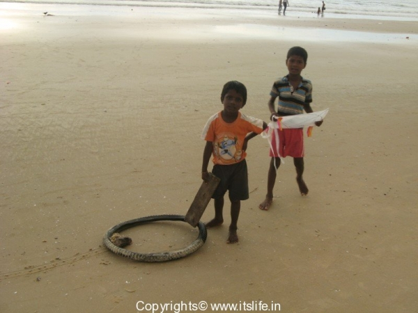 Kids @ Mangalore Beach