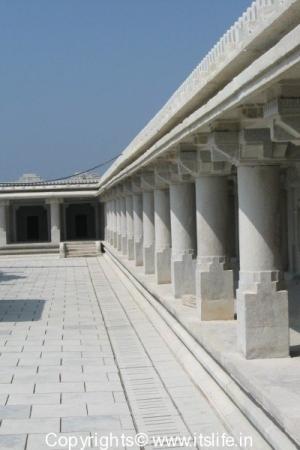 Gopalakrishna Temple, Kannambadi