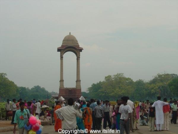 travel-delhi-india-gate-3