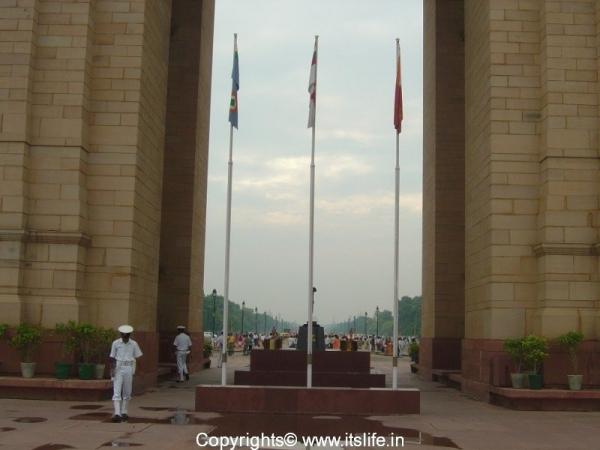 travel-delhi-india-gate-4