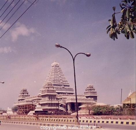 Chhatarpur Temple Complex