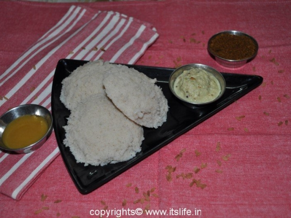 Red Rice Idli