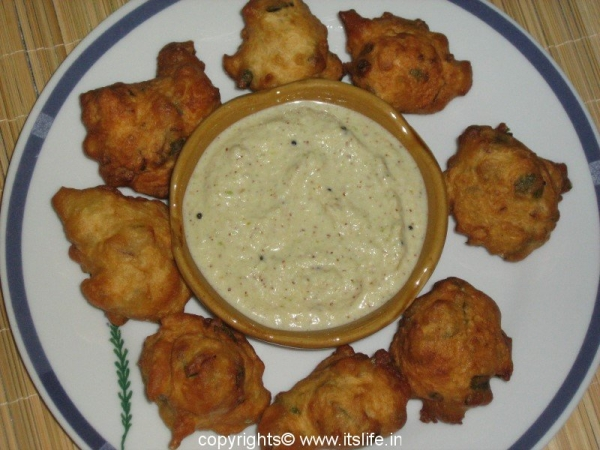 Golibhaje - Spicy Spongy Fritters
