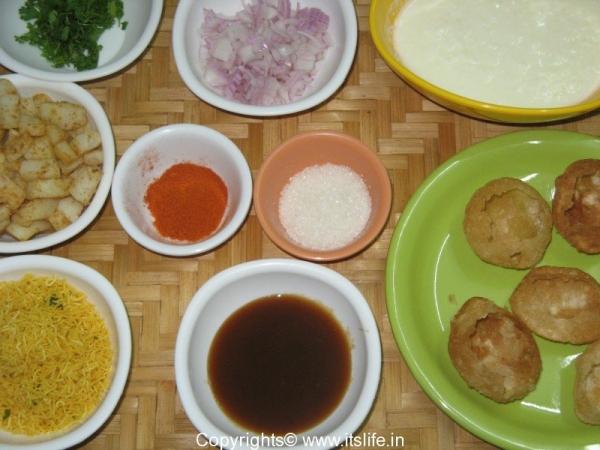 Aloo Sev Dahi Puri