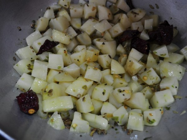 Alu Methi Recipe
