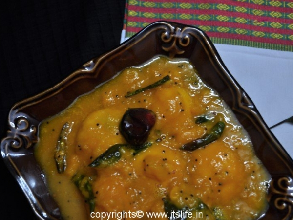 Sweet and Spicy Mango Curry