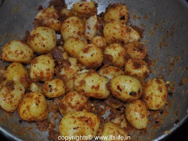 recipes-sd-chota-alu-masala-new-2