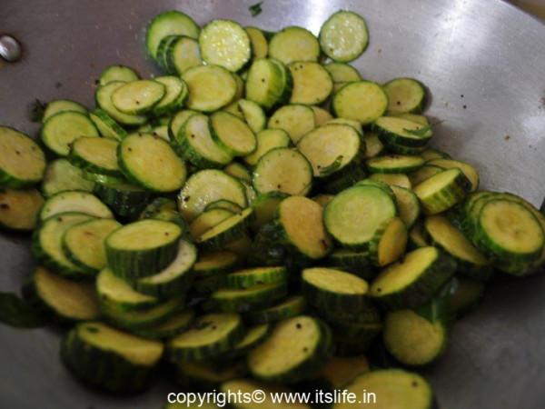 recipes-sd-hubli-sauthekayi-palya-4