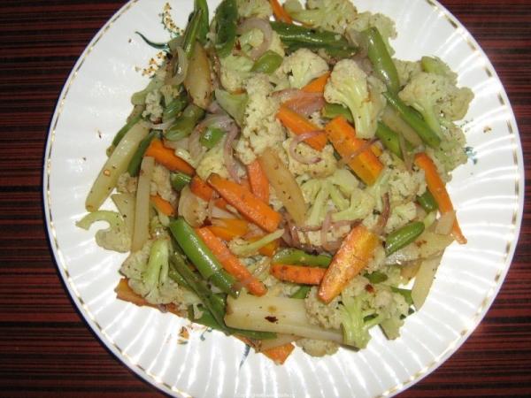 Steamed Vegetables tossed in Herbs