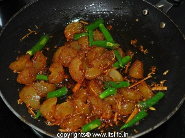 recipes-condiments-amla-mirch-ki-achari-subzi-3