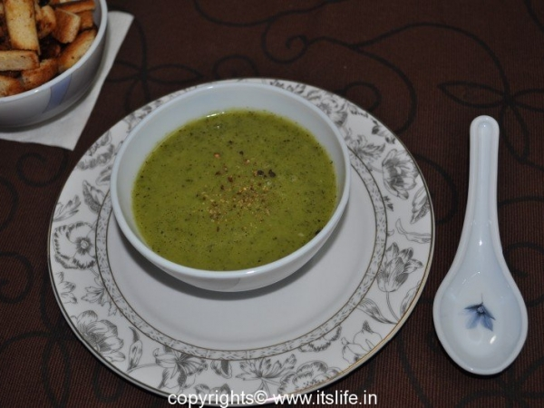 Hot Cucumber and Mint Soup
