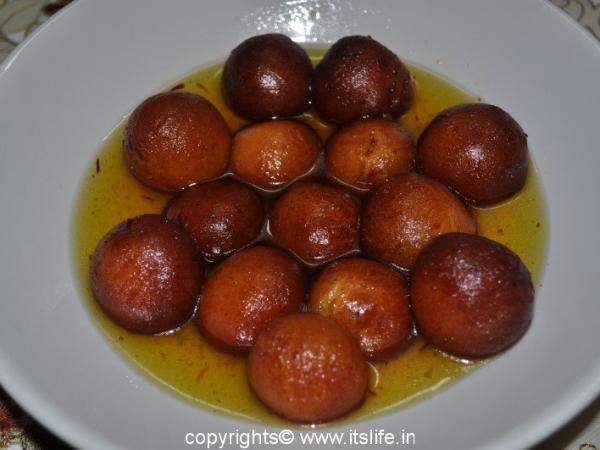 Mawa Gulab Jamoon