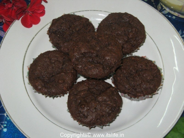 Eggless Wheat Apple Cup Cakes
