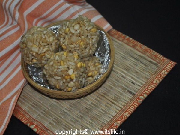 Puri Unde - Puffed Rice Laddoo
