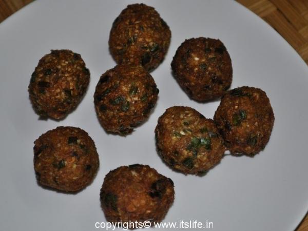 Vegetable balls in hot garlic sauce