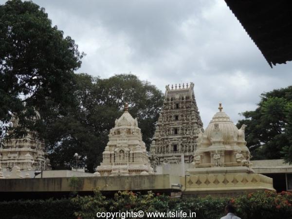 Kote Venkataramana Temple - Bangalore