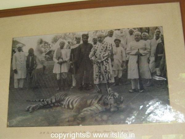 Maharaja of Benares and the Yuvaraja of Benares in Kabini