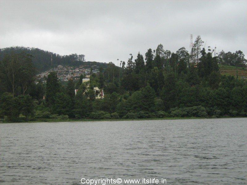 Ooty Lake - Ootacamund - Udhagamandalam - Udhgai - Lake