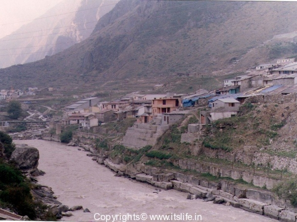 Badrinath - Alakananda River