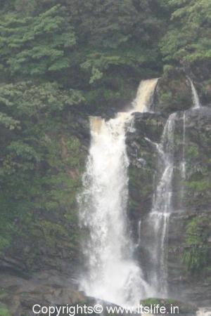 Mavina Gundi Water Falls