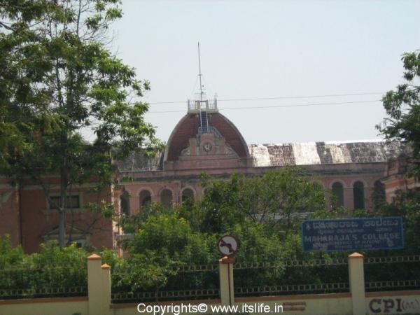 travel-mysore-heritage-edu-institutions-maharaja-college.jpg