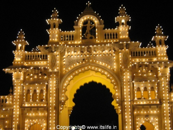 travel-mysore-ill-palace8.jpg