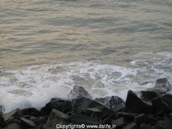 travel-pondicherry-sea-face1.jpg
