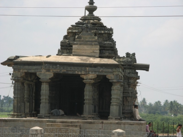 Lakkundi Nanneshwara Temple