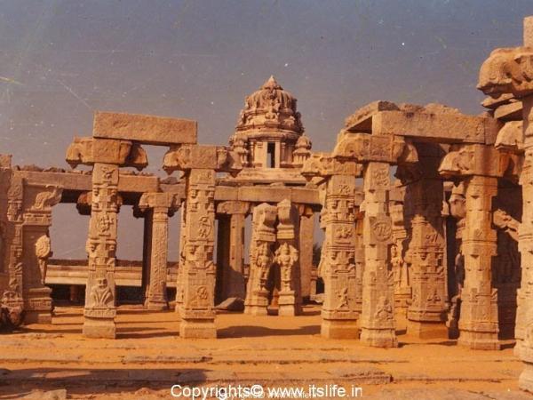 Kalyana Mantapa - Lepakshi