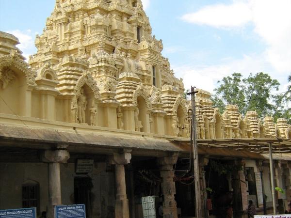 Melkote temple