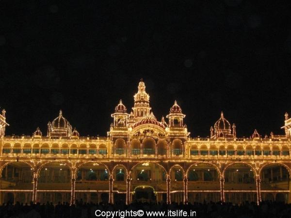 travel-mysore-ill-palace2.jpg