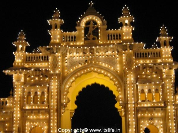 travel-mysore-ill-palace8.jpg