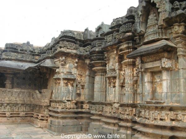 trikuteshwara temple