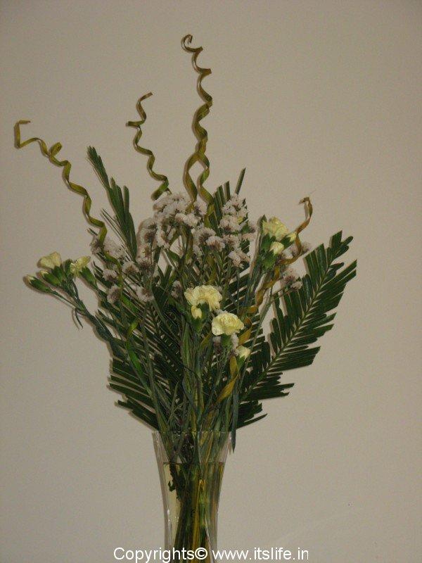 Flower arrangement hobbies floating arrangement tall for Do it yourself flower arrangements