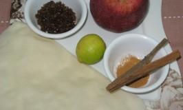 Apple-Cinnamon Wontons