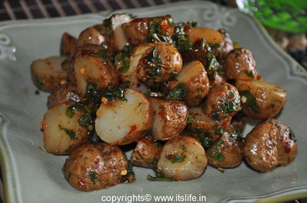 Baby Potato Salad | itslife.in